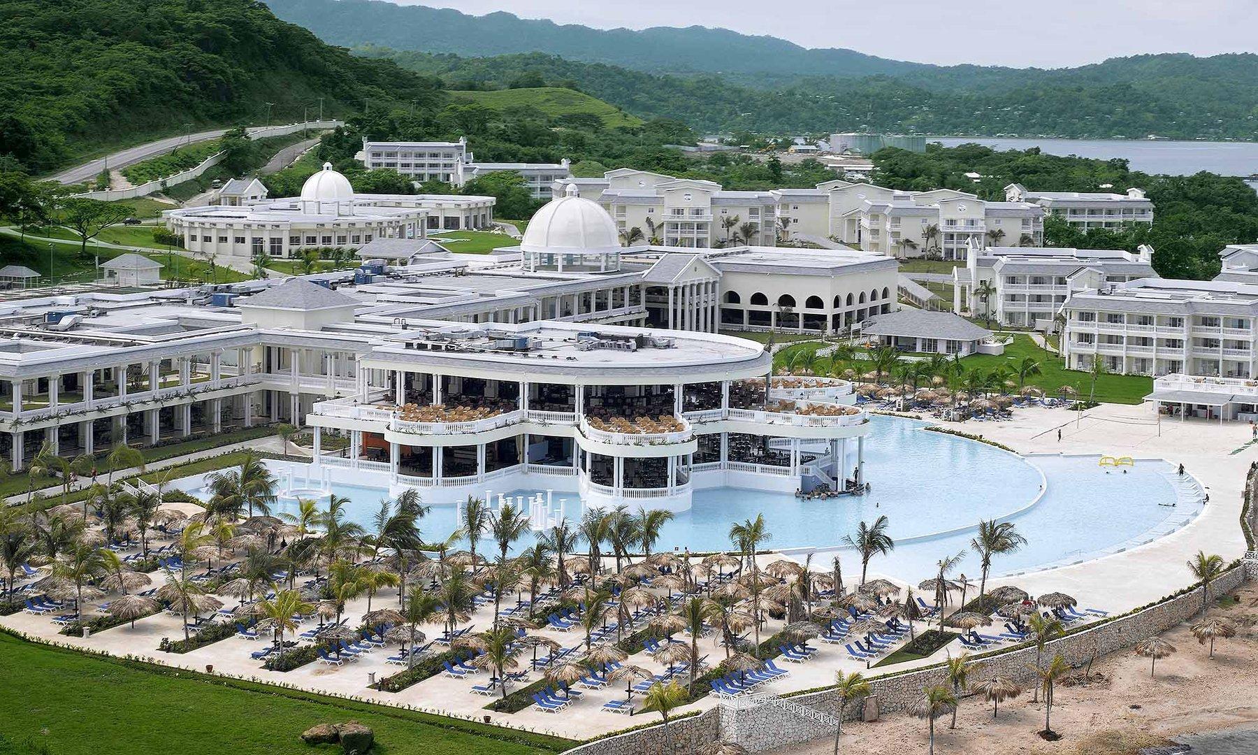 Grand Palladium Resorts Jamaica - Top Outdoor Wedding Destinations in Jamaica