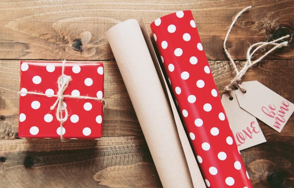 9 Romantic Christmas Gift Ideas For Him and Her